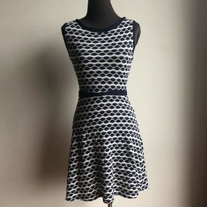 Studio M sz XS geo print fit & flare dress
